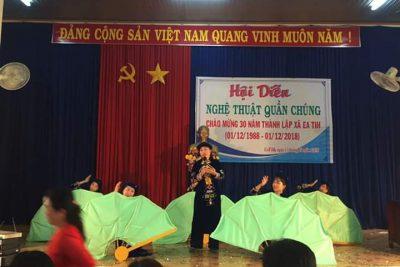 Tham gia Hội diễn Nghệ thuật quần chúng chào mừng 30 năm thành lập xã Ea Tih